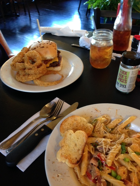 Johnny Mae's Lunch